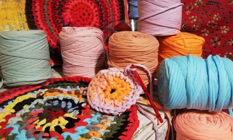Etnoplecionki w barwnych kolorach