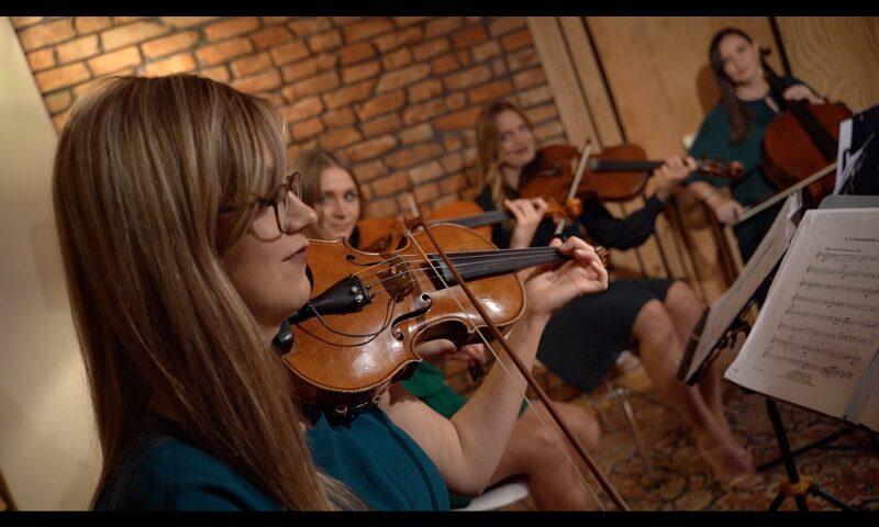 Kwartet grający na instrumentach