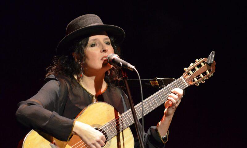 Anna Riveiro